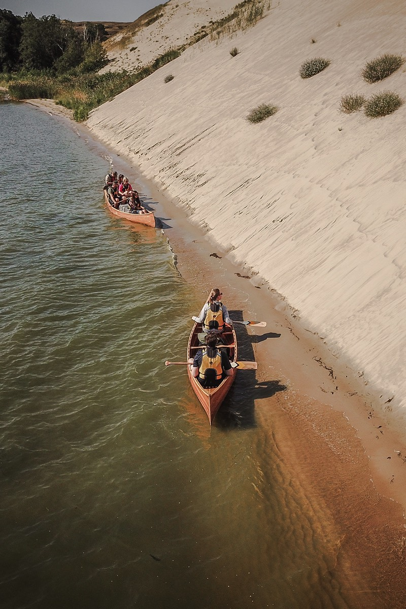 Mighty sands and canoes